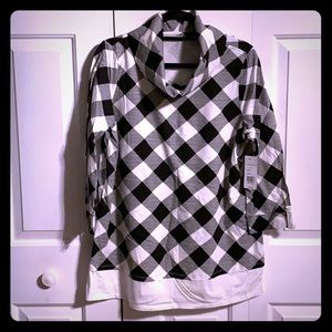 NWT Black and Ivory Top